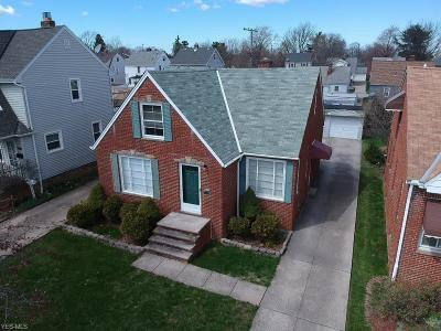 Parma Single Family Home For Sale: 3810 Dawnshire Dr