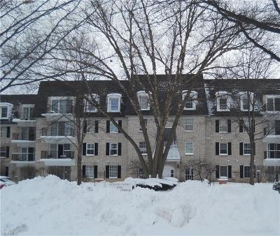 Condo/Townhouse For Sale: 1931 King James #120