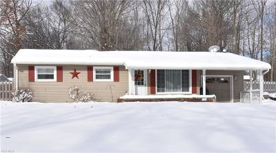 Austintown Single Family Home For Sale: 3718 Cumberland Circle