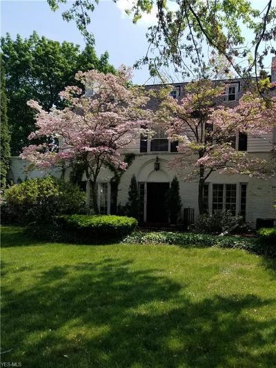 Warren Single Family Home Active Under Contract: 465 Fairway Drive