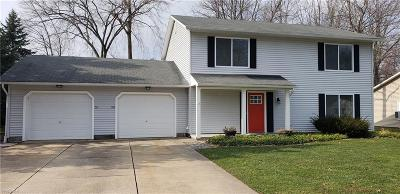 Madison Single Family Home For Sale: 50 Williamsburg Ct