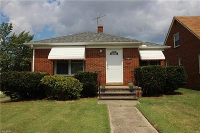 Parma Single Family Home For Sale: 2530 Brookview Blvd