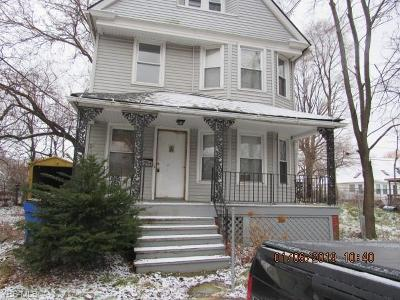 Cleveland Single Family Home For Sale: 9008 Birchdale Ave