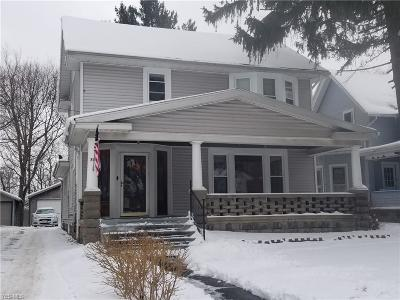 Conneaut Single Family Home For Sale: 703 West Main Rd