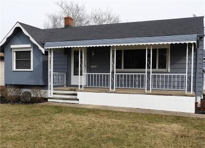 Brook Park Single Family Home For Sale: 6105 Smith Rd