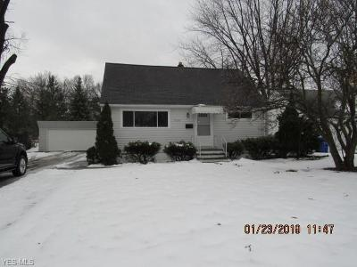 Brook Park Single Family Home For Sale: 17919 Holland Rd