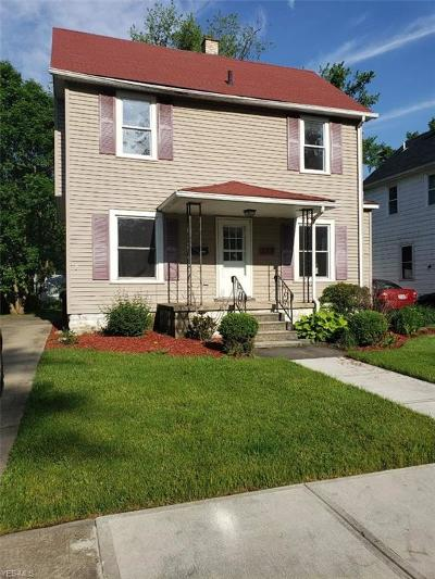 Elyria Single Family Home For Sale: 268 Marseilles Ave