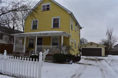 Lorain Single Family Home For Sale: 2346 East 28 St