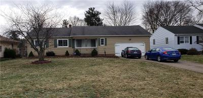 Strongsville Single Family Home For Sale: 13257 Whitney Rd