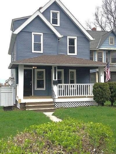 Lakewood Single Family Home For Sale: 15232 Hilliard Rd
