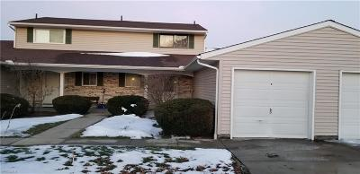 Elyria Condo/Townhouse For Sale: 8751 West Ridge Rd #C