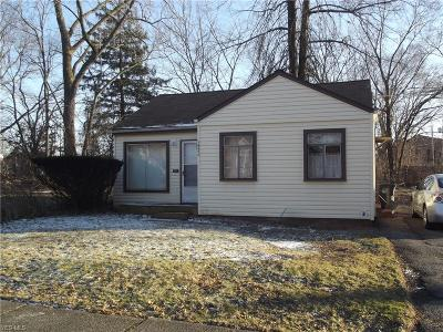 Cleveland Single Family Home For Sale: 16600 Chateau Ave