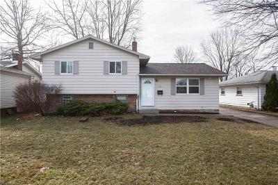 Mentor-On-The-Lake Single Family Home For Sale: 7460 Dahlia Dr