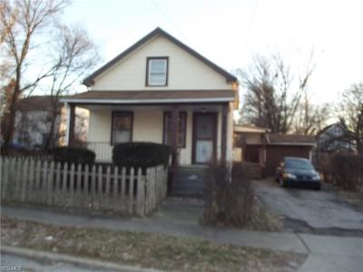 Cleveland Single Family Home For Sale: 9404 Benham Ave