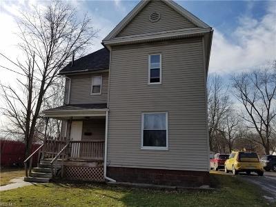 Warren Single Family Home For Sale: 141 Parkman Rd Northwest