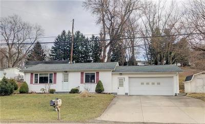 Dover OH Single Family Home For Sale: $119,900
