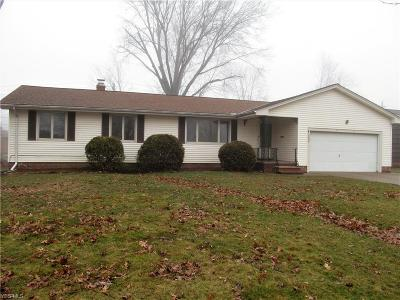 Middleburg Heights Single Family Home For Sale: 15848 Maureen Dr