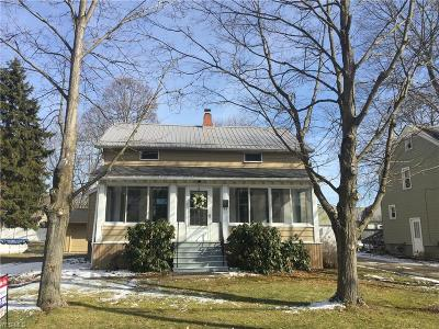 Canfield Single Family Home For Sale: 37 Hood Dr