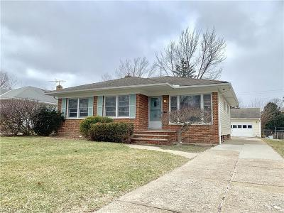 Fairview Park Single Family Home For Sale: 3910 Circlewood Dr