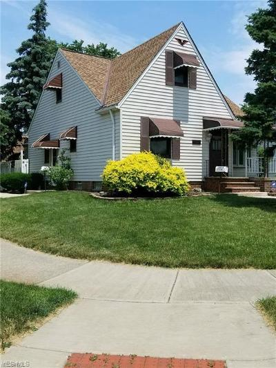 Brook Park Single Family Home For Sale: 16426 Pike Blvd