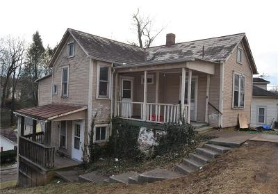 Marietta Single Family Home For Sale: 410 Marion St