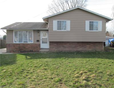 Brook Park Single Family Home For Sale: 6340 Wolf Rd