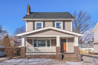 Lakewood Single Family Home For Sale: 1614 Chesterland Ave