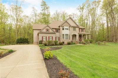 Chagrin Falls Single Family Home Contingent: 11725 Colchester Ln