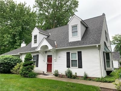 Mentor Single Family Home For Sale: 7214 Adkins Rd
