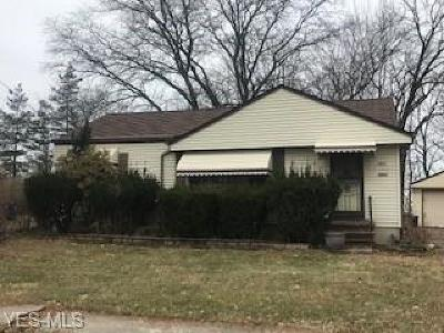 Cleveland Single Family Home Active Under Contract: 1968 Ridgehill Road