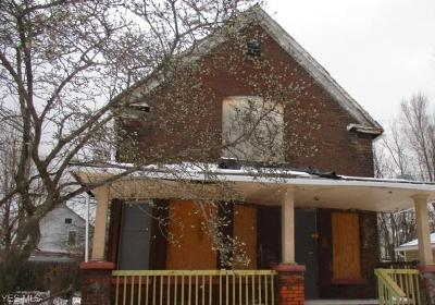 Cleveland Single Family Home For Sale: 5914 Madison Ave