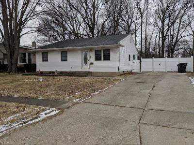 Lorain County Single Family Home For Sale: 940 Rosewood Dr