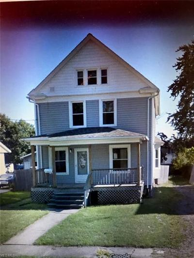 Lorain Single Family Home For Sale: 215 West 29th St