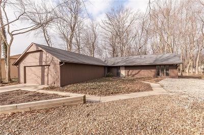 Strongsville Single Family Home For Sale: 21910 Little Brook Way