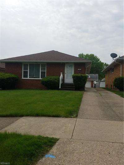 Garfield Heights Single Family Home For Sale: 13522 Carpenter Rd