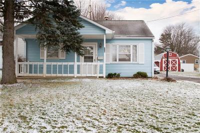 Youngstown Single Family Home For Sale: 112 North Navarre Ave