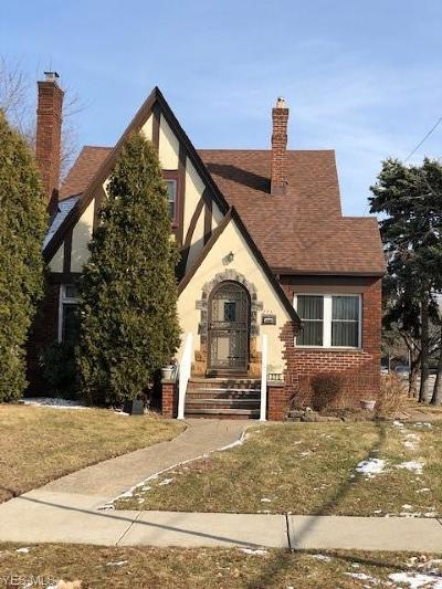 Single Family Home For Sale: 275 East 190th St