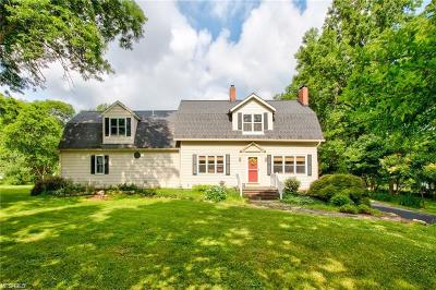 Willoughby Single Family Home For Sale: 5260 Som Center Rd