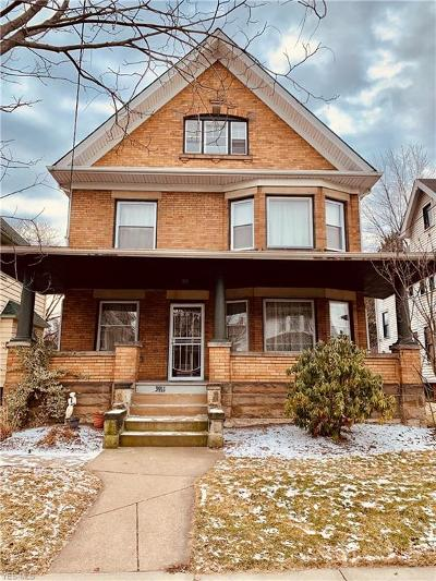 Cleveland Single Family Home For Sale: 3911 Carlyle Ave