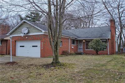 Parma Heights Single Family Home For Sale: 6526 Fernhurst Ave
