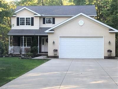 Chardon Single Family Home For Sale: 12265 Country Oaks Trl