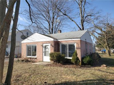 Vermilion OH Single Family Home For Sale: $59,900