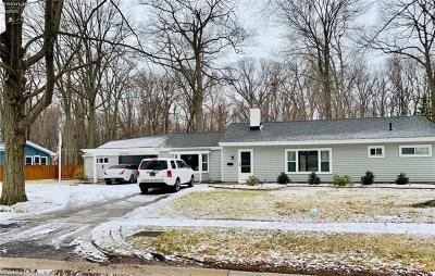 Avon Lake OH Single Family Home For Sale: $219,900