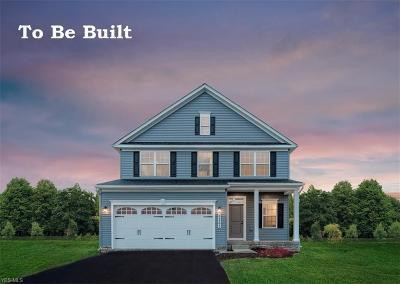 Willoughby Single Family Home For Sale: 38567 Fairway Glenn Blvd