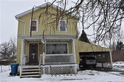 Lorain Single Family Home For Sale: 2328 East 28th St