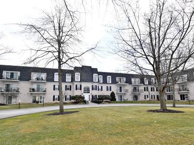 Condo/Townhouse For Sale: 2021 King James #308
