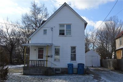 Lorain Single Family Home For Sale: 216 East 32nd St