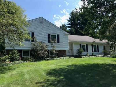 Chagrin Falls Single Family Home For Sale: 24 Woodside Rd