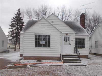Elyria Single Family Home For Sale: 265 Hilliard Rd