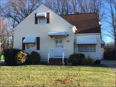 Euclid Single Family Home For Sale: 423 East 275th St